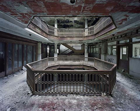 Atrium Farwell building 03