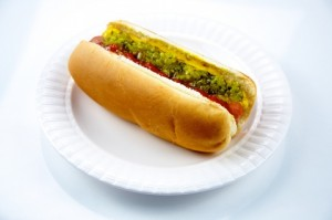 Hot_dog_on_a_plate_-_Evan_Swigart