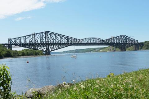 Pont_de_Québec,_vue_est