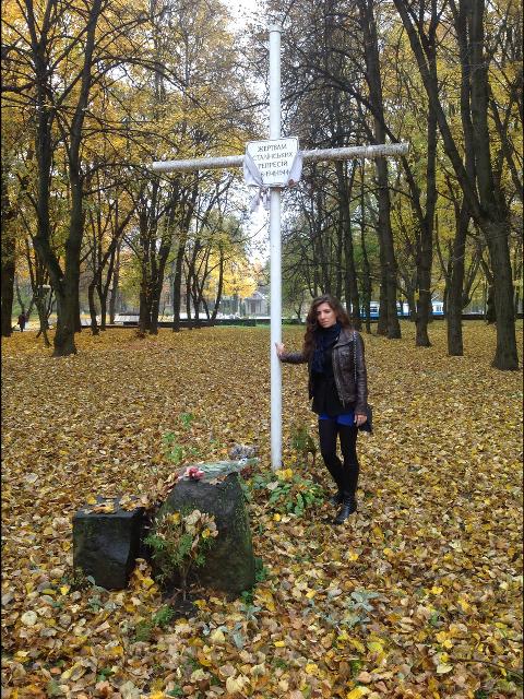 Diana-przy-krzyzu-w-Winnicy-w-Parku-Gorkiego