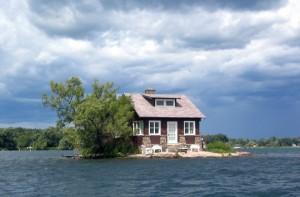 1280px-Thousand_Islands_single_house